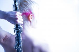 Zuzana is the unique oboe solist established in Slovakia. Her provocative look and exceptional ability to play this rare musical instrument allows listeners to go as deep as they can, into their fantasy.